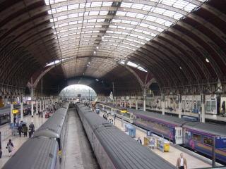 画像は去年の旅行で写したパディントン駅